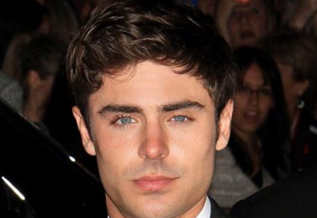 http://www.dailymail.co.uk/tvshowbiz/article-2424096/Zac-Efron-entered-rehab-deal-cocaine-addiction-NOT-alcohol-abuse.html